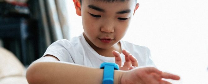 Security flaw that puts thousands of children's smart watches at risk