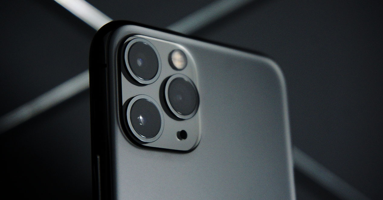 Anker's new external flash is the ideal complement for the iPhone and Advanced photographer
