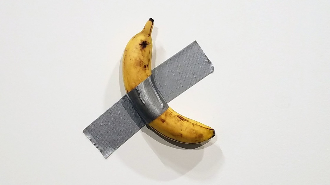 Nokia plays with the most expensive wall-mounted banana ever