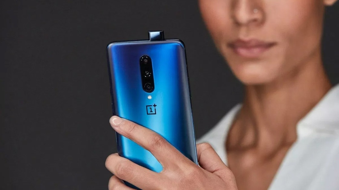 OnePlus 7 Pro is crushing sales of the Samsung Galaxy S10 Plus