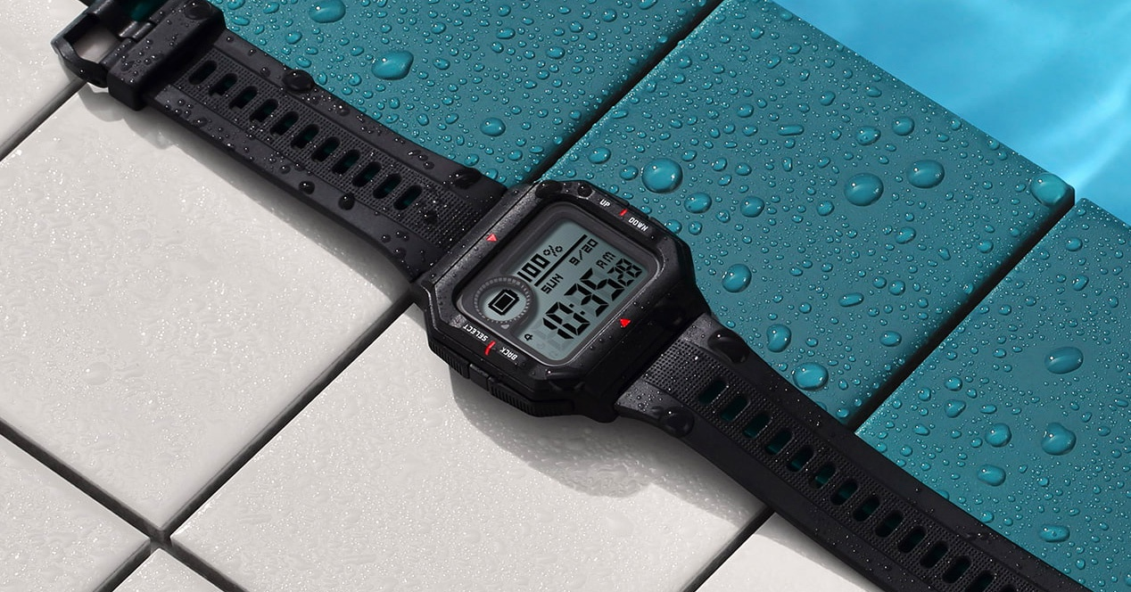 The Amazfit Neo is a retro smartwatch that costs less than 40 euros