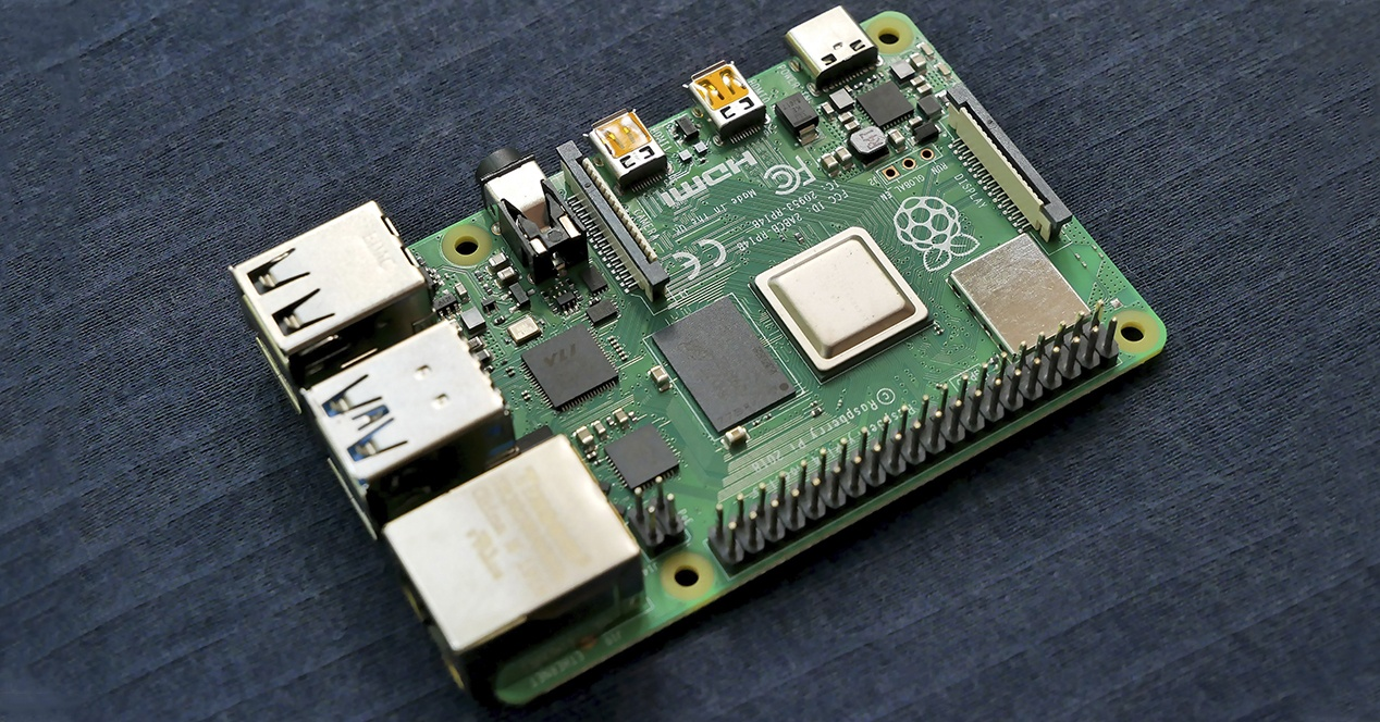 Run: Raspberry Pi 4 pack with discount and flash sale!