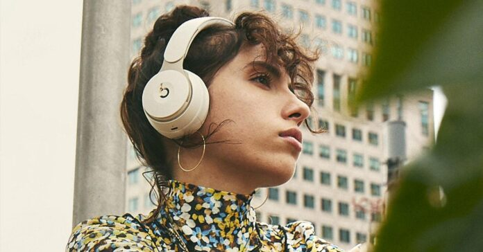 Offer: Beats Solo Pro headphones at a minimum with a discount of 47%