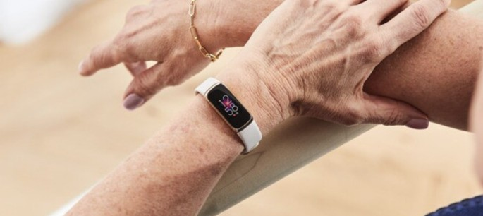 Fitbit Luxe.  Credit: WinFuture